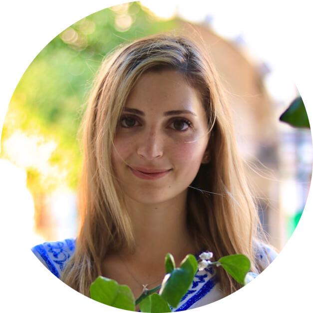 Meet Dr. Bana Moureiden, your dentist in Warren Michigan